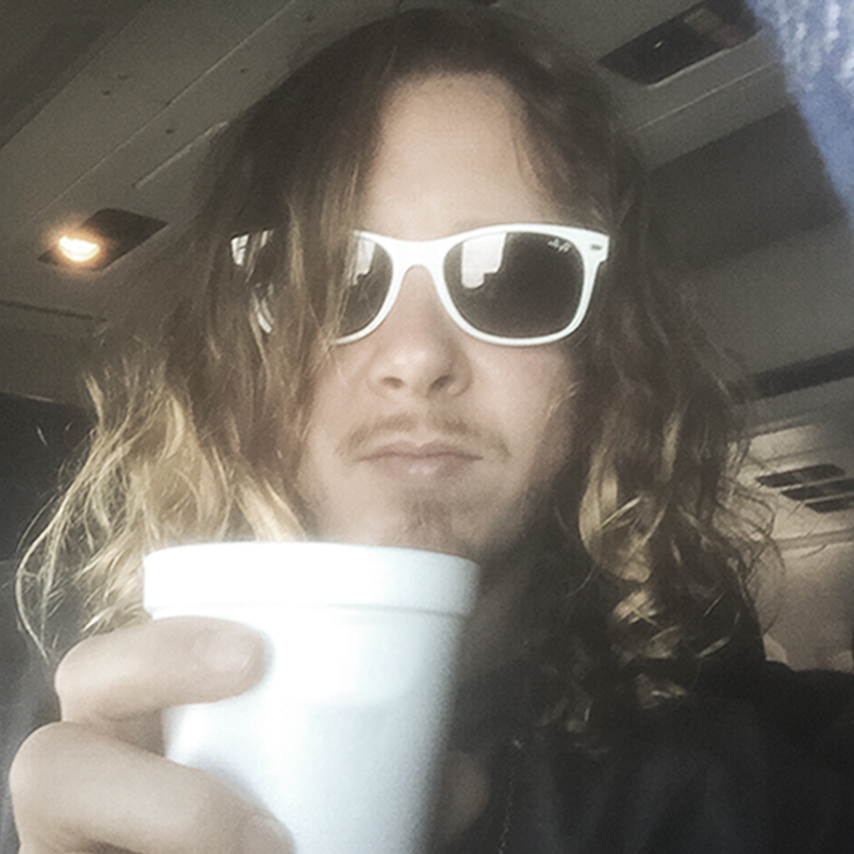 BenKweller-01-with-cup